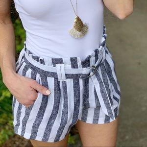 Infinity Raine Shorts - Black and white striped linen shorts